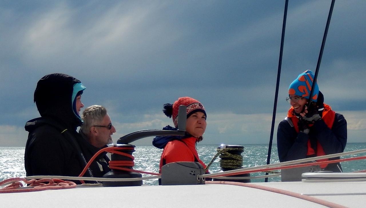 Crew (1280x728)